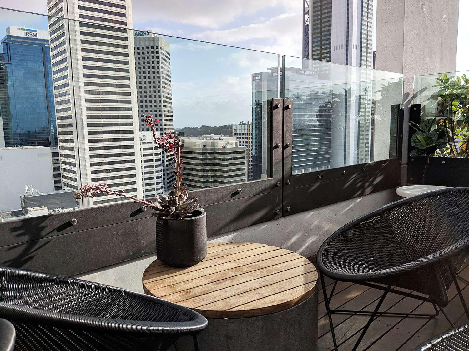qt-hotel-perth-city-views-balustrading
